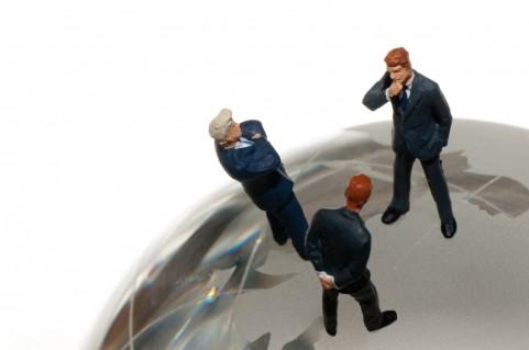 記事:法律家 増加する違法行為のイメージ画像