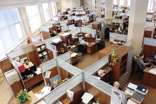記事:博報堂元嘱託社員が勝訴、雇い止め法理についてのイメージ画像