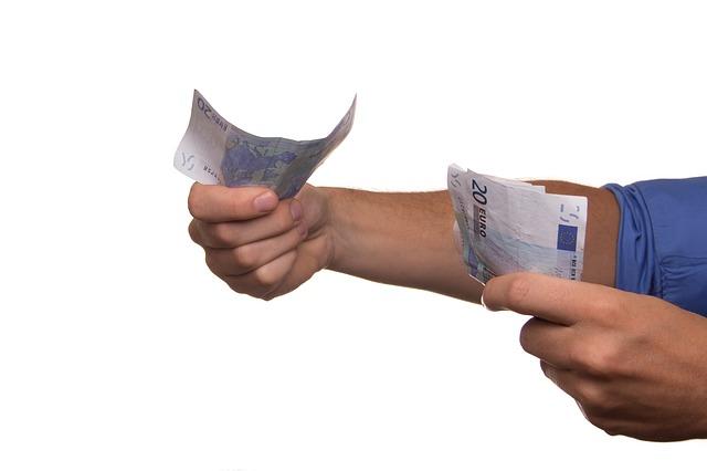 記事:法定金利超の貸付けで貸金業者を逮捕、利息の規制についてのイメージ画像