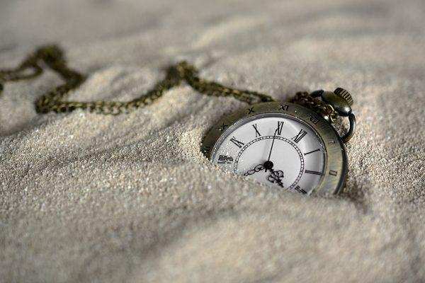 記事:パナソニックが導入か、「時間単位年休」についてのイメージ画像